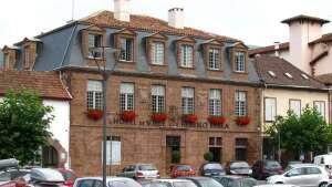 Mairie - Saint Jean Pied de Port - Pays Basque